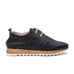 Atelier Lizbet leather shoe with laces